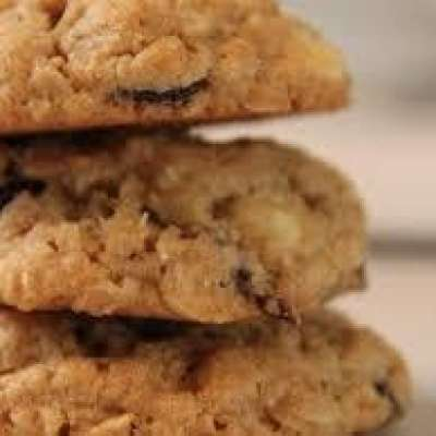 Gluten Free Oatmeal, White Chocolate & Cranberry Cookies